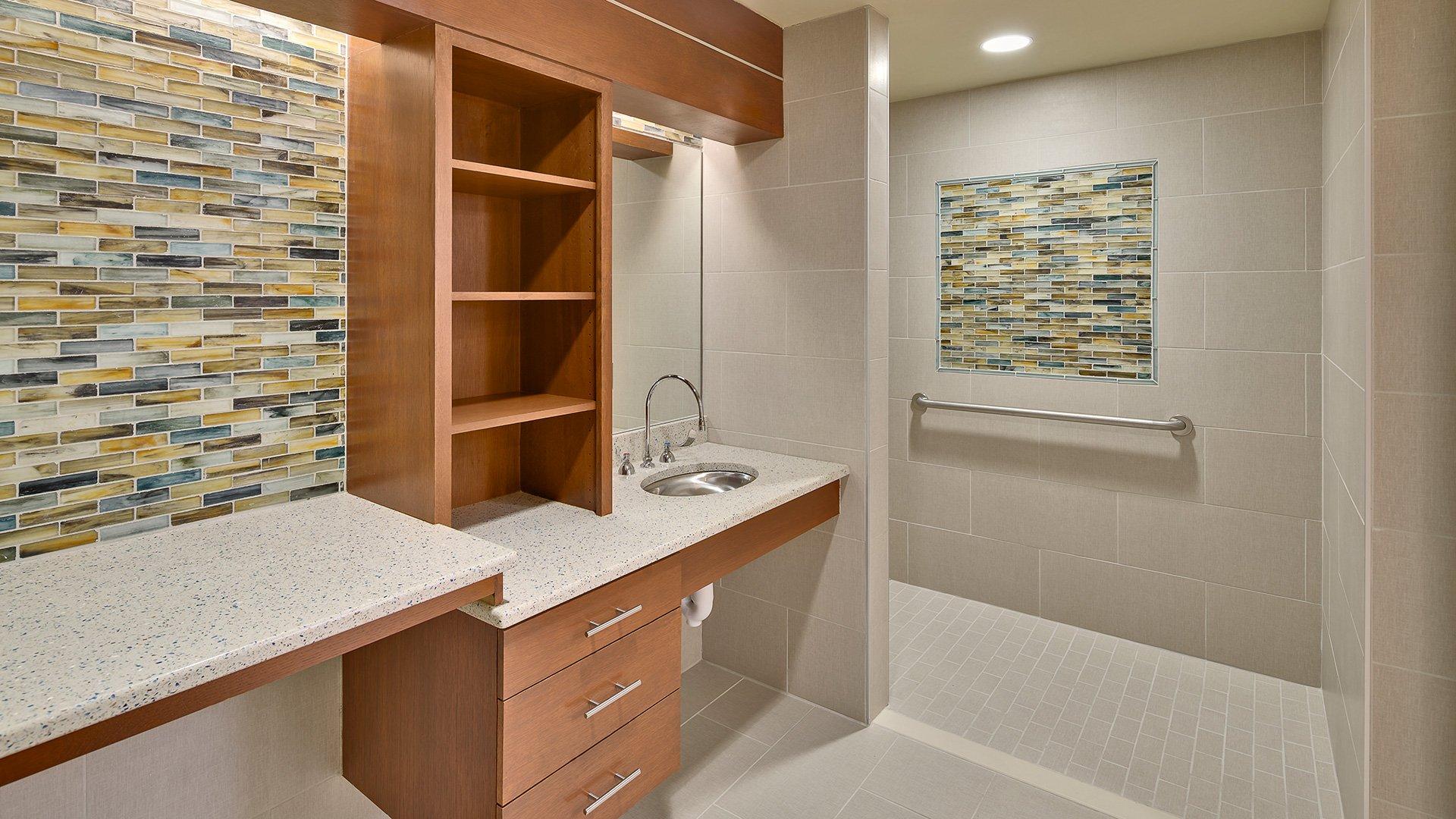 Greenville Health System, Birthing Tub Room, Bathroom