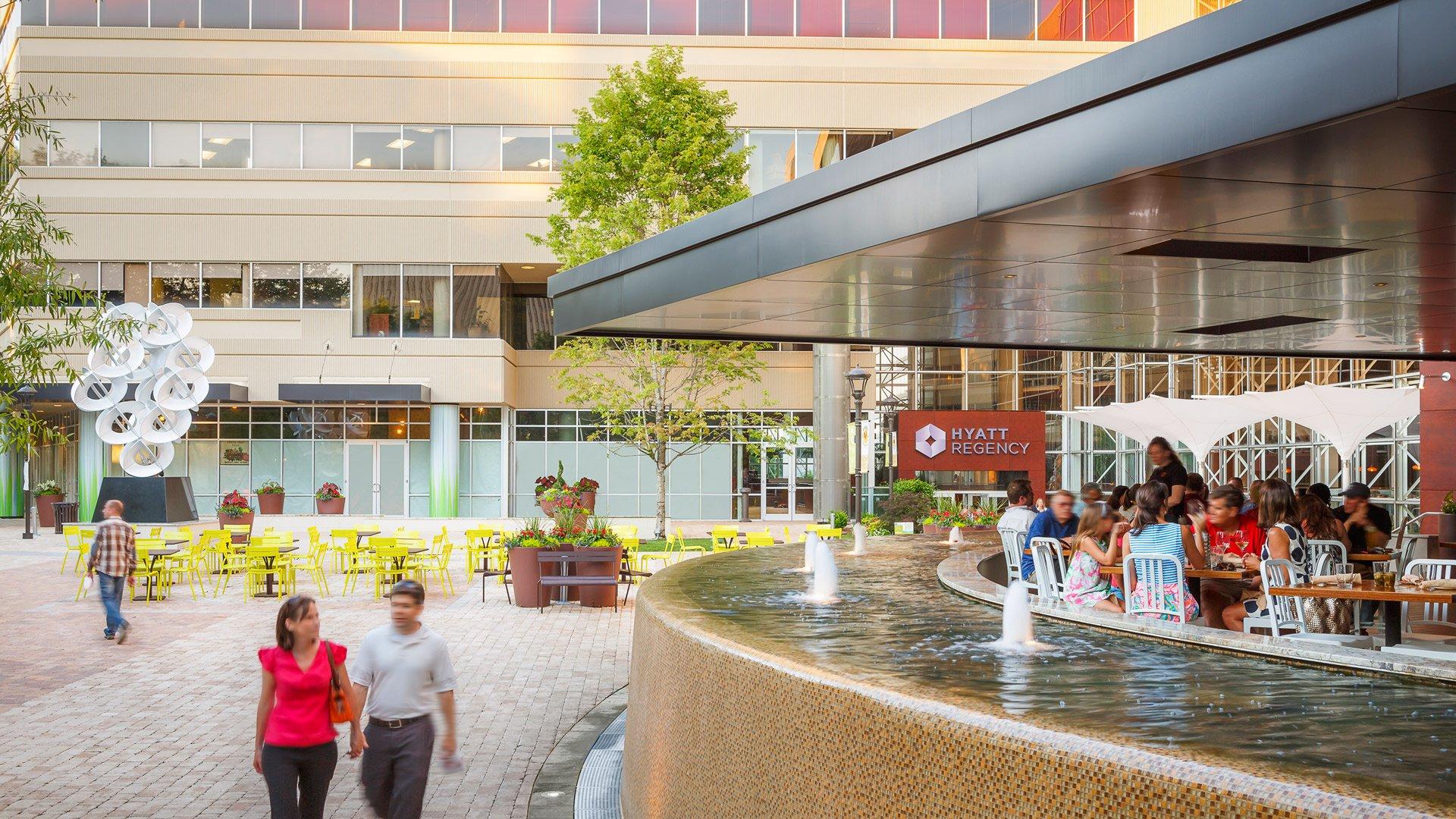 Hyatt Regency Greenville, Public Space