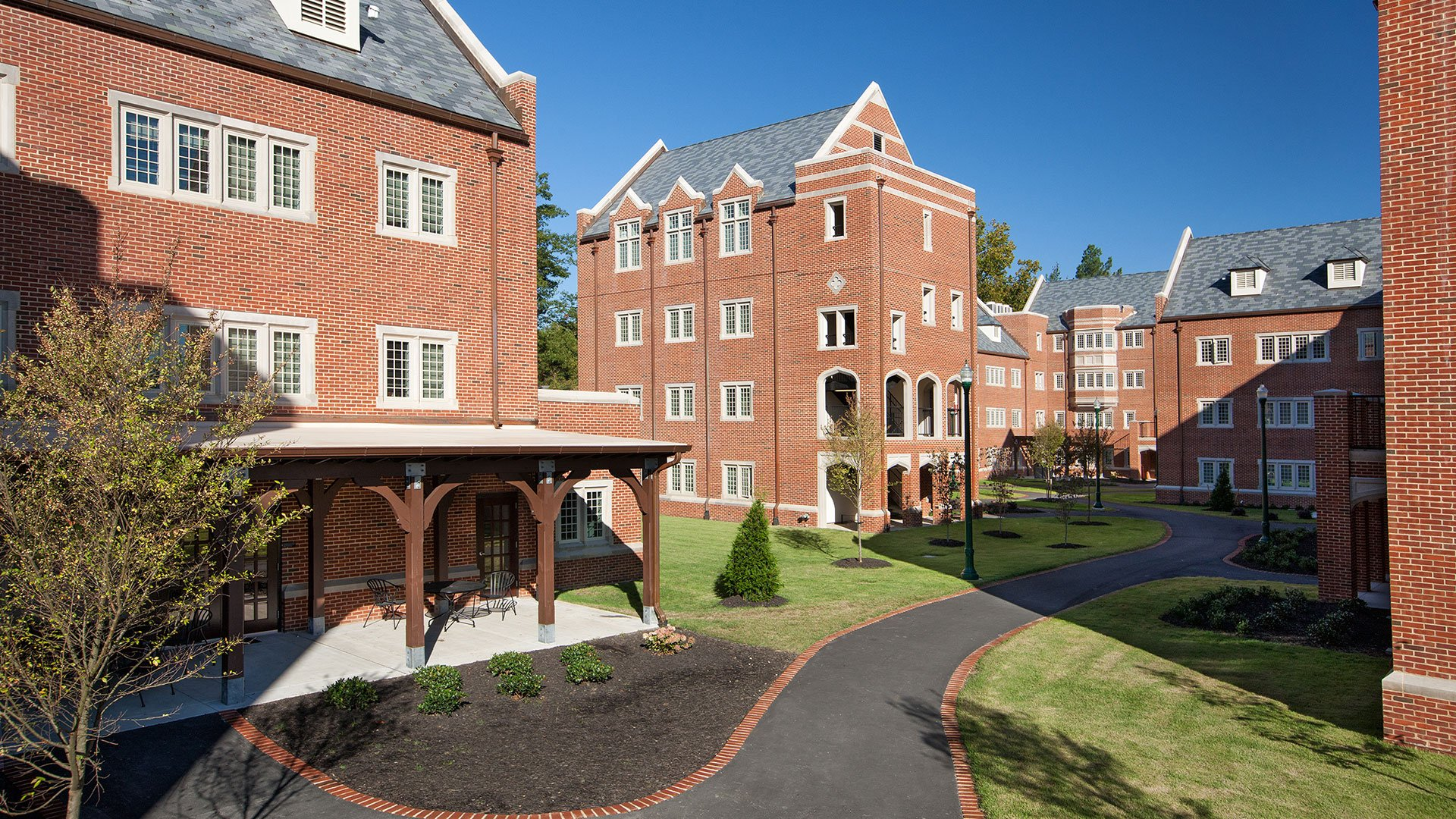University of Richmond, Gateway Village Apartments